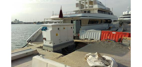MARINA SUPERYACHT PEDESTALS FITTED WITH MARECHAL® SAFETY SOCKETS