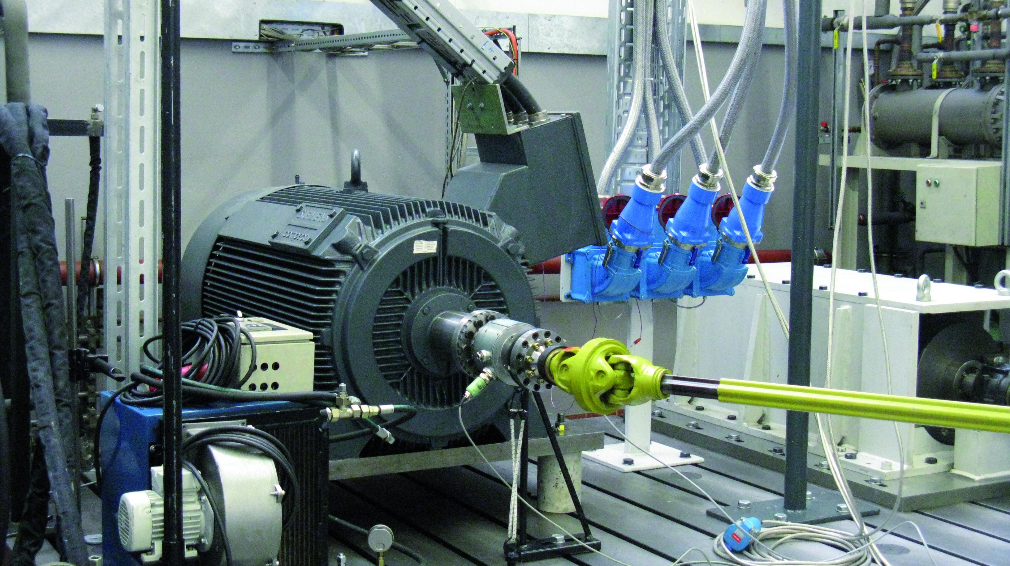 branchement moteur 3 phases Prise Electrique industrielle Maréchal Electrique